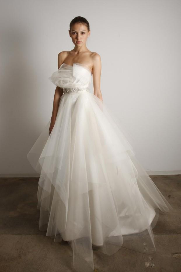 wedding dress designer marchesa