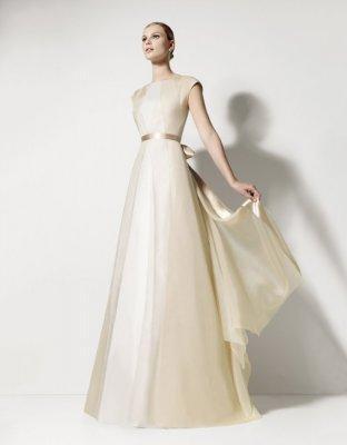 Wedding Dress Designer: Jesus del Pozo