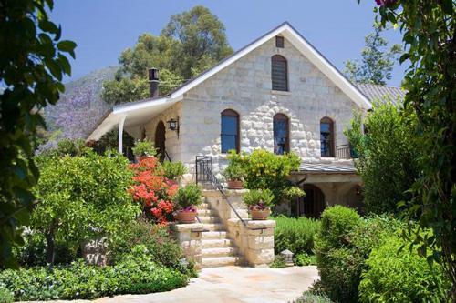 san-ysidro-ranch-stonehouse-exterior