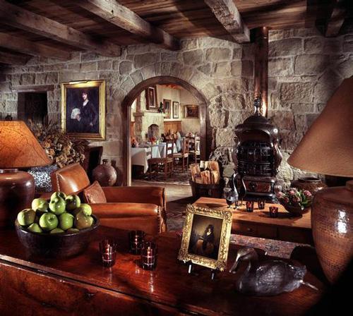 san-ysidro-ranch-stonehouse-lounge