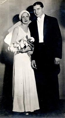 1920s wedding dresses woman getting married junglespirit