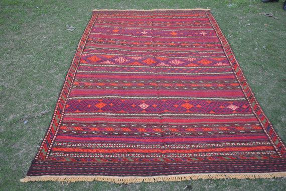 Using Kilim Rugs At Your Ceremony Woman Getting Married