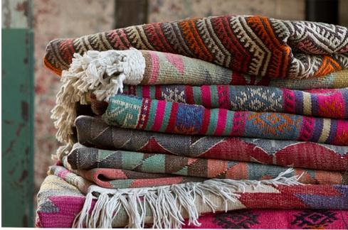 How to Use Kilim Rugs at Your Ceremony