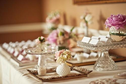 where to buy used wedding decor online woman getting married. Black Bedroom Furniture Sets. Home Design Ideas