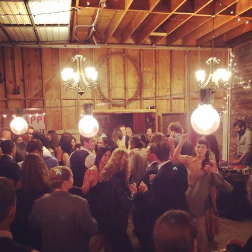 apple-creek-ranch-wedding-barn-facebook