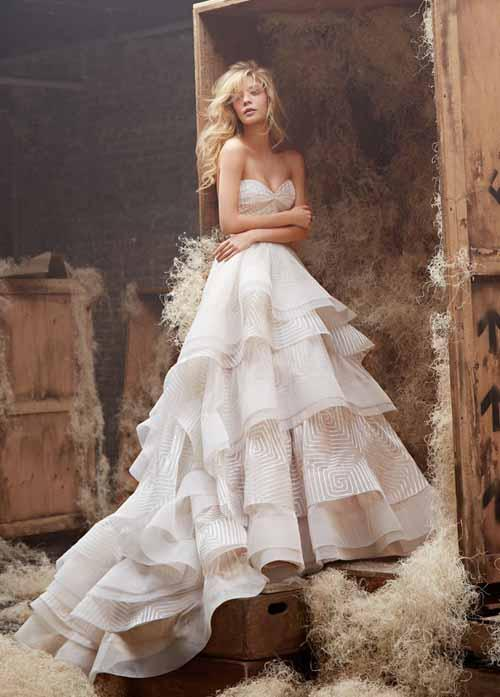 How much a hayley paige wedding dress will cost you for Cost of a wedding dress