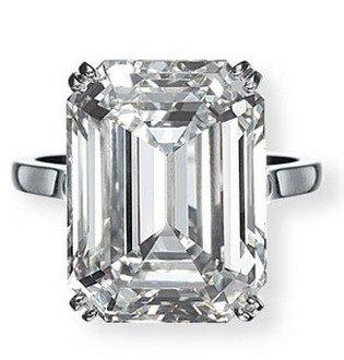 emerald-cut-diamond-engagement-ring