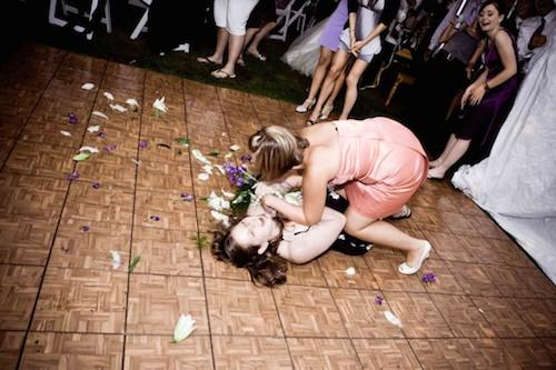 funny-bouquet-toss