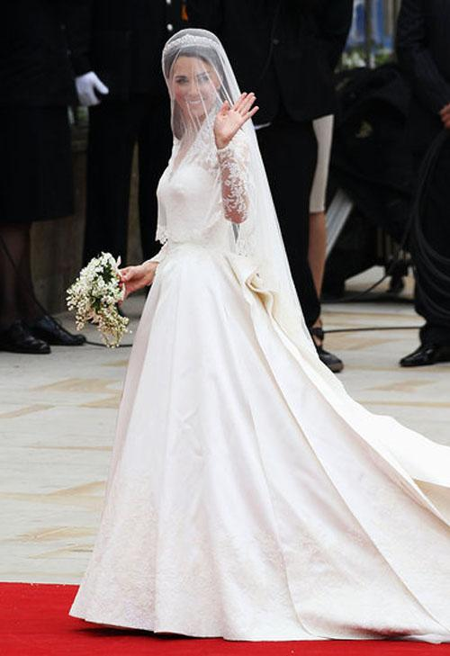 wedding dress designer sarah burton for alexander mcqueen