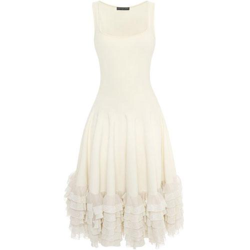 Wedding dress designer sarah burton for alexander mcqueen for Sarah burton wedding dresses official website