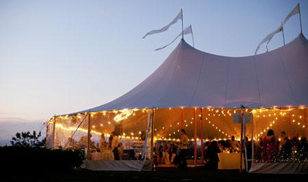 sperry-wedding-tent-cost & How Much Do Wedding Tents Cost? | Woman Getting Married