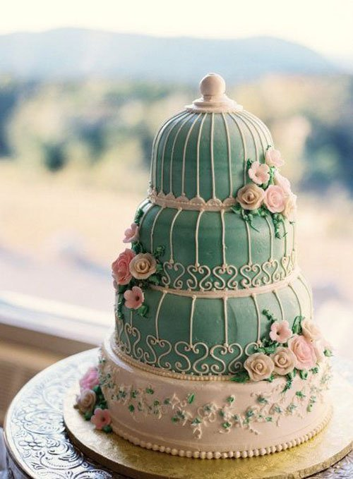 Cake by the Pastry Garden   Photography by Charlotte Jenks Lewis Photography   Found on Brides