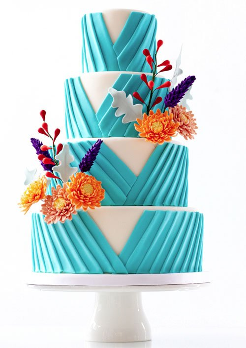 Cake by Le Dolci Cupcakes and Cakes   Found on Mod Wedding