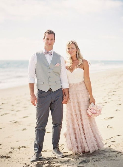 21 fun and easy beach wedding ideas a beach wedding means lots of fun options for your dress i love adding a bit of country chic to a beach wedding for something a little different junglespirit Images