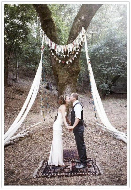 9 Fun Ideas for Wedding Arches | Woman Getting Married