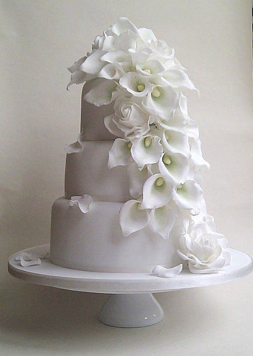 wedding cakes with roses and calla lilies wedding flowers calla getting married 26105