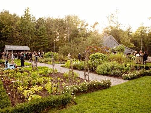 wedding venue hidden pond