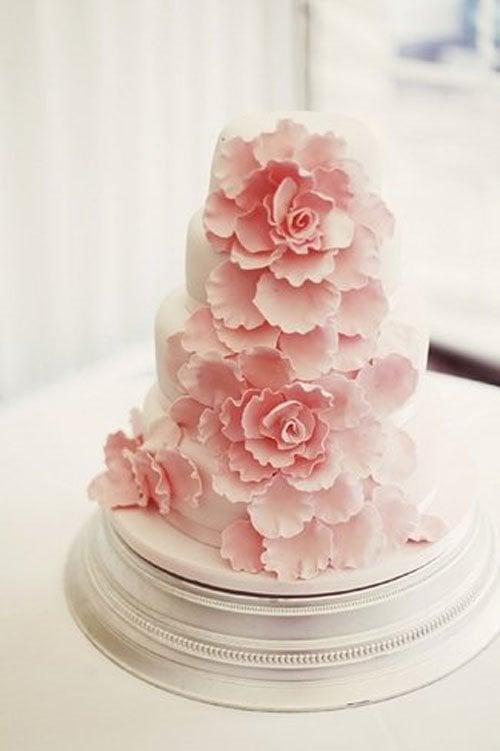 Cake by Deborah Newby | Photo by  | Rebecca Wedding Photography | via Bloved Weddings