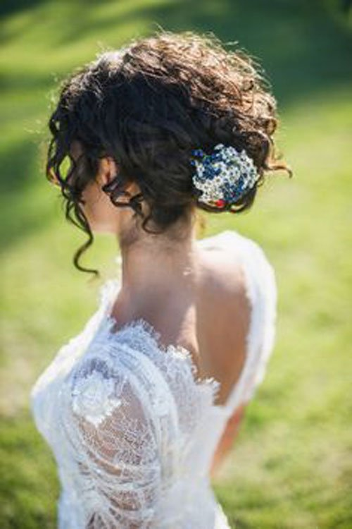 Hairstyles For Curly Hair For Wedding : Wedding hairstyles for curly hair woman getting married