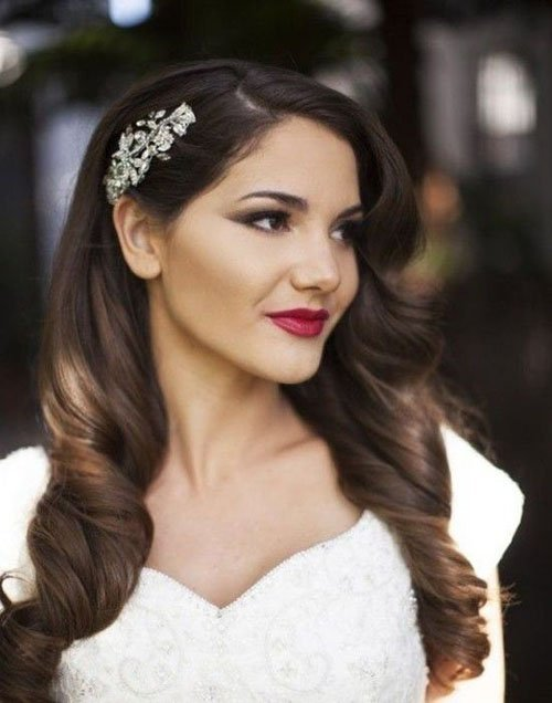 10 gorgeous wedding hairstyles for long hair woman getting married wedding hair junglespirit Images