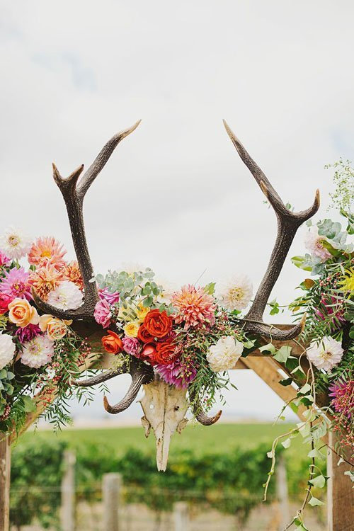 Antlers Add Drama To Your Wedding Arch Country Ideas