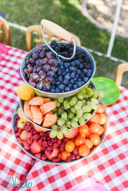 fruit-centerpiece-wedding-16