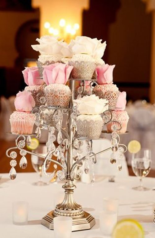 or better yet make them cupcakes for a yummy centerpiece idea