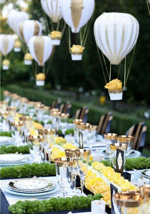 15 insanely unique ideas for wedding centerpieces suspend miniature air balloons or flowers for an amazing hanging centerpiece junglespirit Gallery