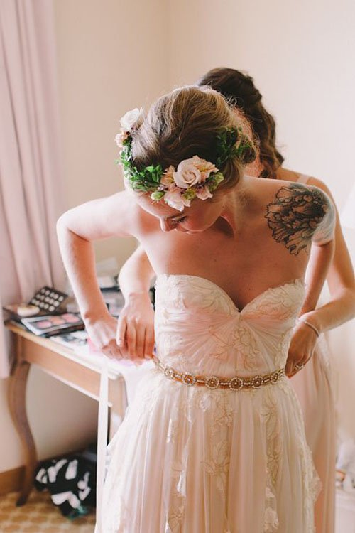16 ways to rock tattoos at your wedding