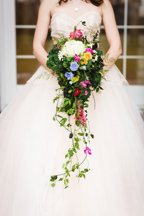 15 Bright And Beautiful Wedding Bouquets