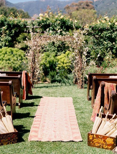 17 gorgeous wedding decorations for your ceremony aisle roll out a moroccan rug junglespirit Image collections