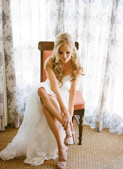 13 Half Up Half Down Wedding Hairstyles To Try Now