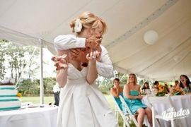 wedding cake smash