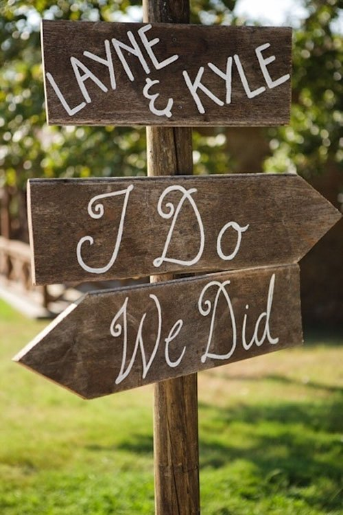14 hilariously awesome wedding signs i do we did junglespirit