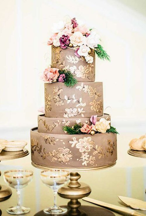 14 amazingly unique wedding cakes gold accent wedding cake junglespirit Gallery