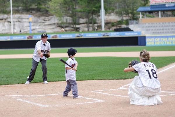 baseball-wedding-harmony-portraits-14