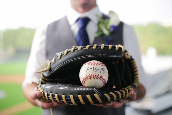 baseball-wedding-harmony-portraits-17