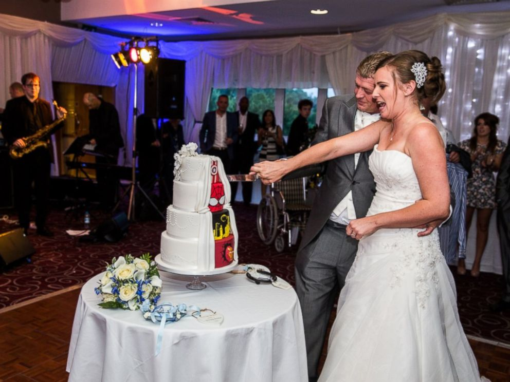 superhero-wedding-cake