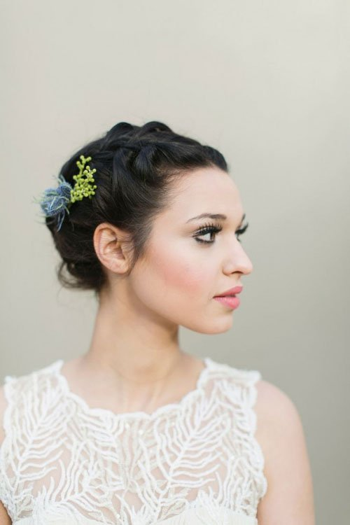 15 gorgeous wedding hairstyles for short hair wedding hairstyles we love junglespirit Images