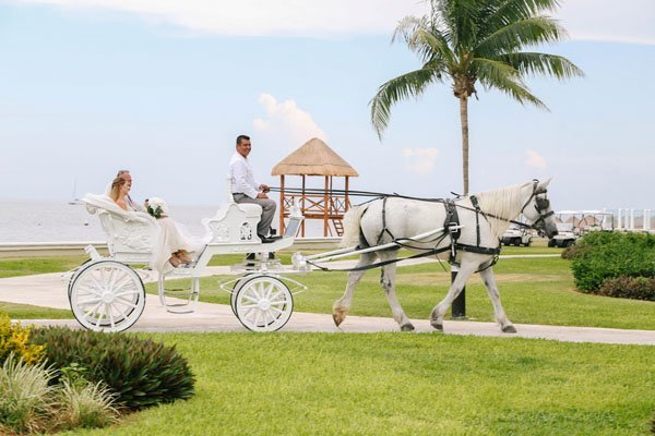 destination-real-wedding-elizabeth-burgi-photogra-024