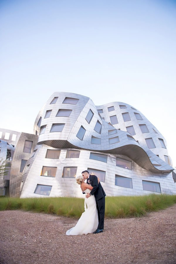 frank-gehry-vegas-real-wedding-kmh-photography-019