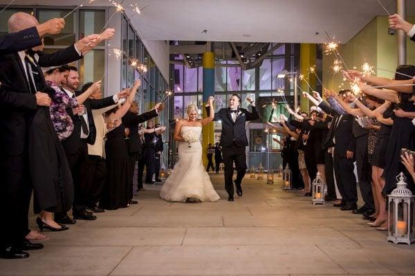 frank-gehry-vegas-real-wedding-kmh-photography-032