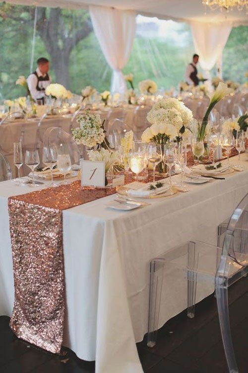 18 Table Runners That Will Transform Your Wedding