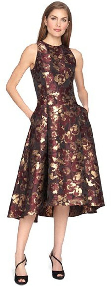 0034974fc508 21 Mother of the Bride Dresses for a Fall Winter Wedding