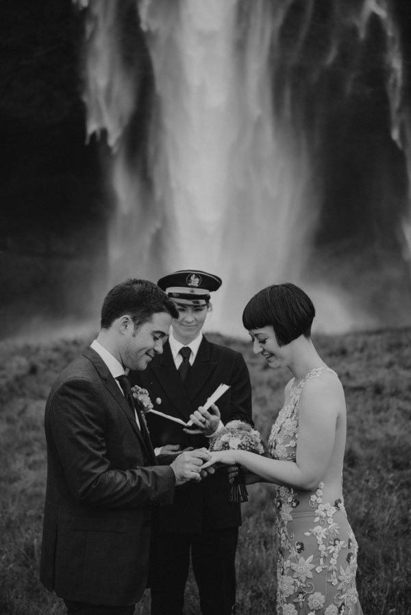 iceland-real-wedding-m&Jstudios-005