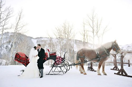 19 Super Fun Winter Wedding Ideas You Have To See Woman Getting Married