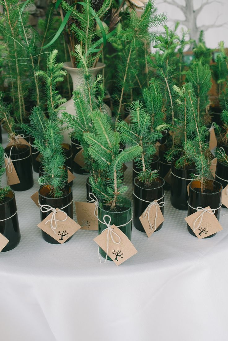 14 Winter Wedding Favors We Love Woman Getting Married