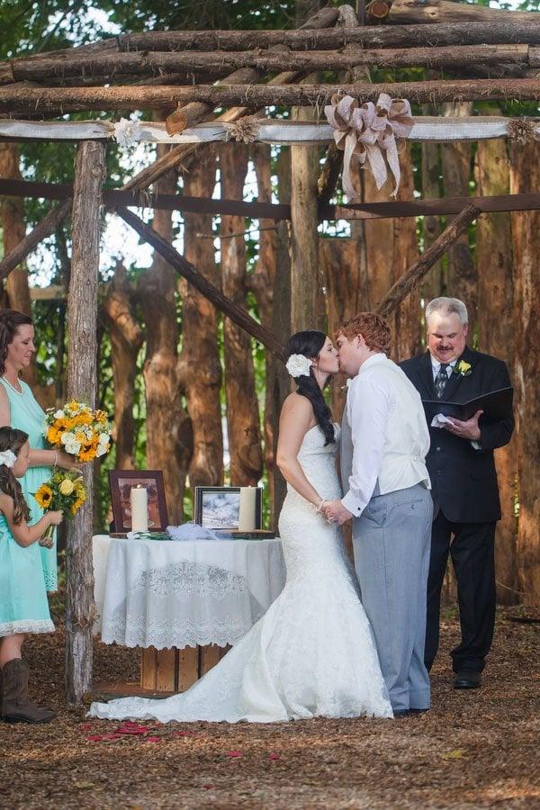 north-carolina-real-wedding-casey-hendrickson-pho-025
