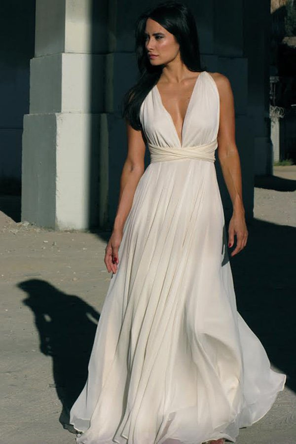 5 Awesome Los Angeles Wedding Dress Boutiques | Woman Getting Married