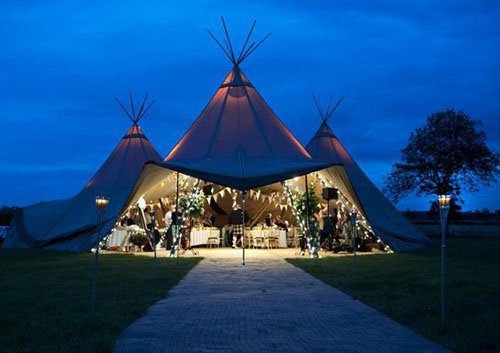 15 Amazing Ideas For Gorgeous Wedding Tents